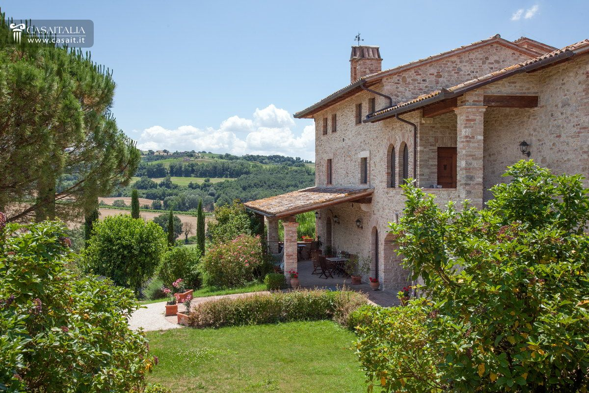 Todi - Umbria - Selling farmhouse built