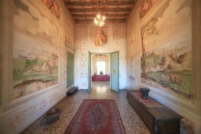 Frescoed Villa for sale in Padova
