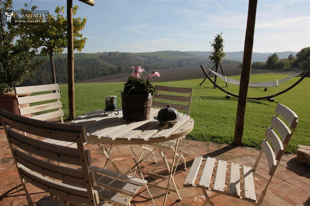 Farm house for sale in Umbria - Todi