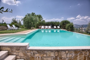 Country house with pool for sale in Todi